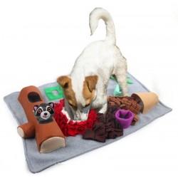 Obdélníkový čmuchací kobereček s plyšovým zvířátkem
