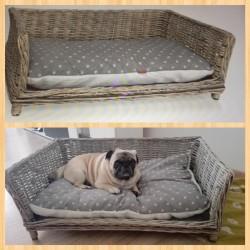 Ratanová postel pro psa